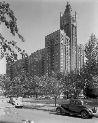 American Furniture Mart, Lake Shore Drive At Erie Street, 1938. With The  Decline Of The Cityu0027s Wholesale Furniture Trade, The Building Was Converted  To ...